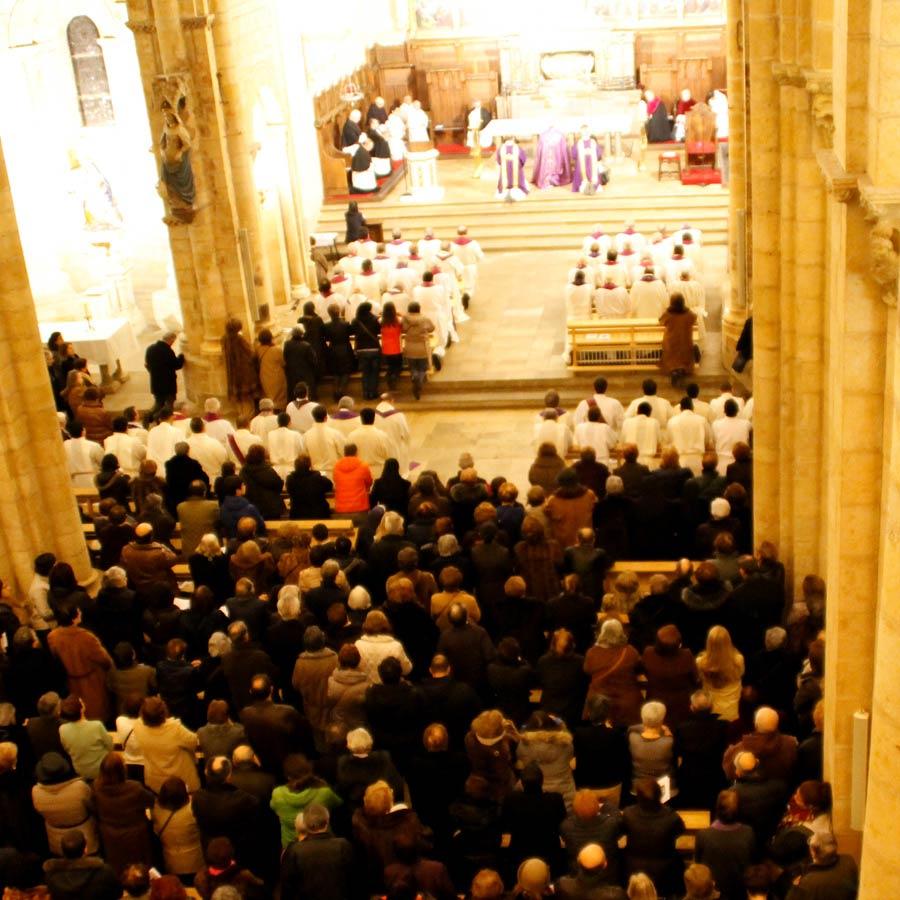 Guardia y Oración ante el Santísimo Sacramento