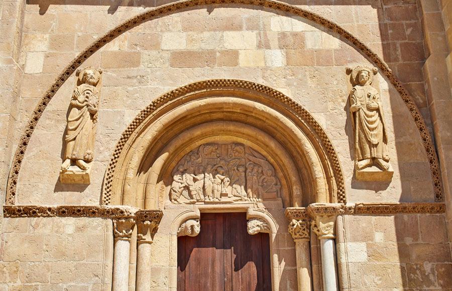 Basilica Isidoriana - Portada
