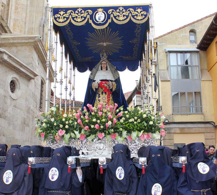 Sacramental y Penitencial Cofradía de Nuestro Padre Jesús Sacramentado y María Santísima de la Piedad Amparo de los Leoneses